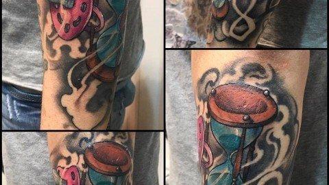 Corelli-Ligera-ink-tattoo-milano-tatuaggi-milano-clessidra