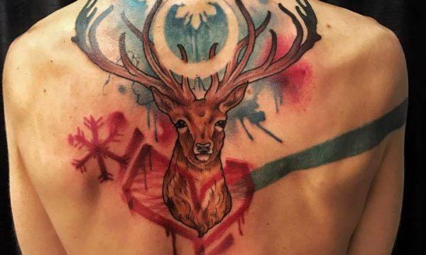 Corelli-Ligera-ink-tattoo-milano-tatuaggi-milano-cervo tatuaggi watercolor tattoo watercolor tatuaggi effetto acquerello tatuaggio cervo tattoo cervo