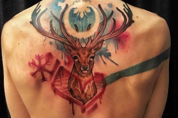 Corelli-Ligera-ink-tattoo-milano-tatuaggi-milano-cervotatuaggi-watercolor-tattoo-watercolor-tatuaggi-effetto-acquerello-tatuaggio-cervo-tattoo-cervo