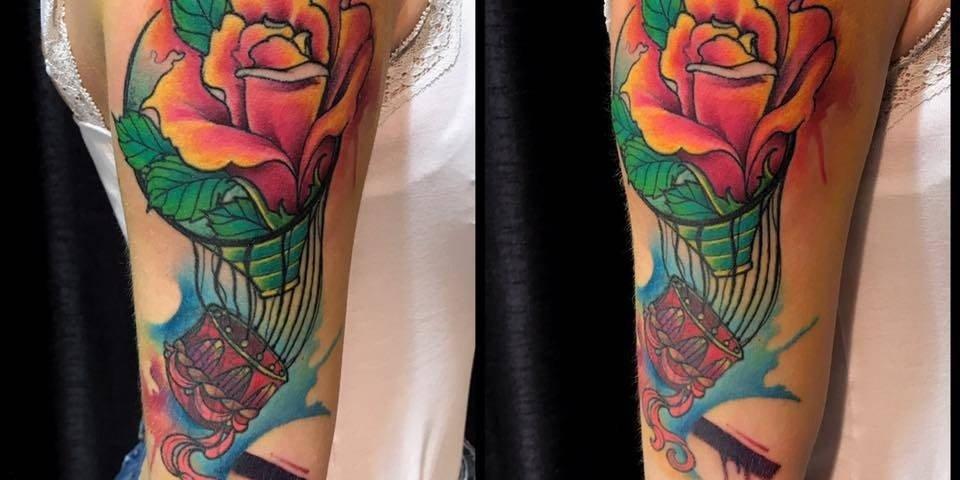 Corelli-Ligera-ink-tattoo-milano-tatuaggi-milano-mongolfiera-tatuaggi-fiori-Tatuaggi-mogolfiera-Tatuaggio-mogolfiera