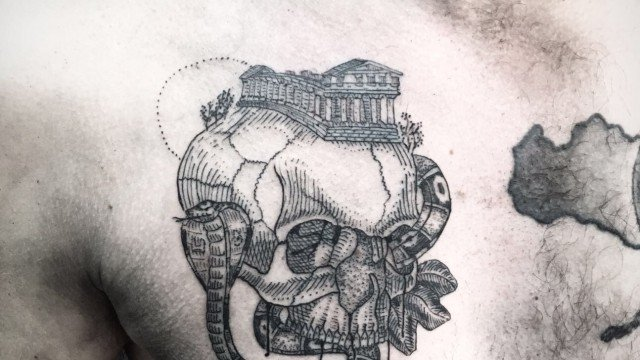 teschio-tattoo-tatuaggio-teschio-ligera-ink-milano-tatuatori-milano-tatuaggi-milano-tattoo-milano