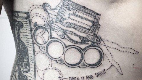 D'altilia-Ligera-ink-tattoo-milano-tatuaggi-blackwork-tirapugni-Blackwork-Tattoo-Milano