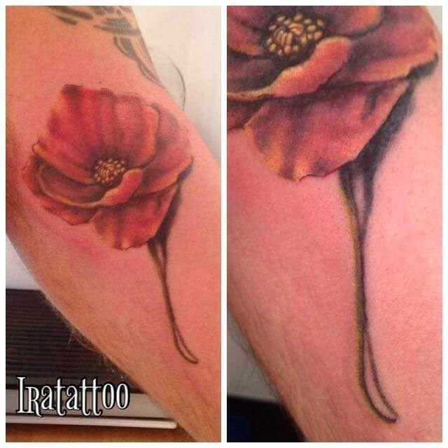 Ligera-Ink-Tattoo-Milano-Miglior-studio-tatuaggi-milano-studio-tattoo-milano-migliori-tatuatori-milano-miglior-tatuatore-milano-tatuaggio-fiore-realistico-milano