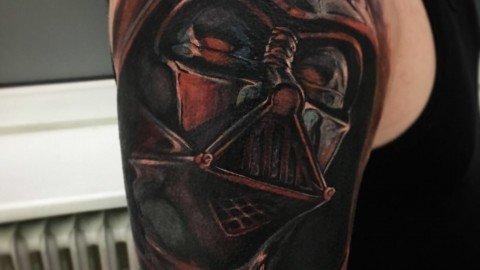 Ligera-ink-tattoo-milano-tatuaggi-milano-tatuatore-milano-tatuaggi-realistici-milano-tattoo-realistici-milano-Darth-fener-star-wars-tattoo-tatuaggio-star-war