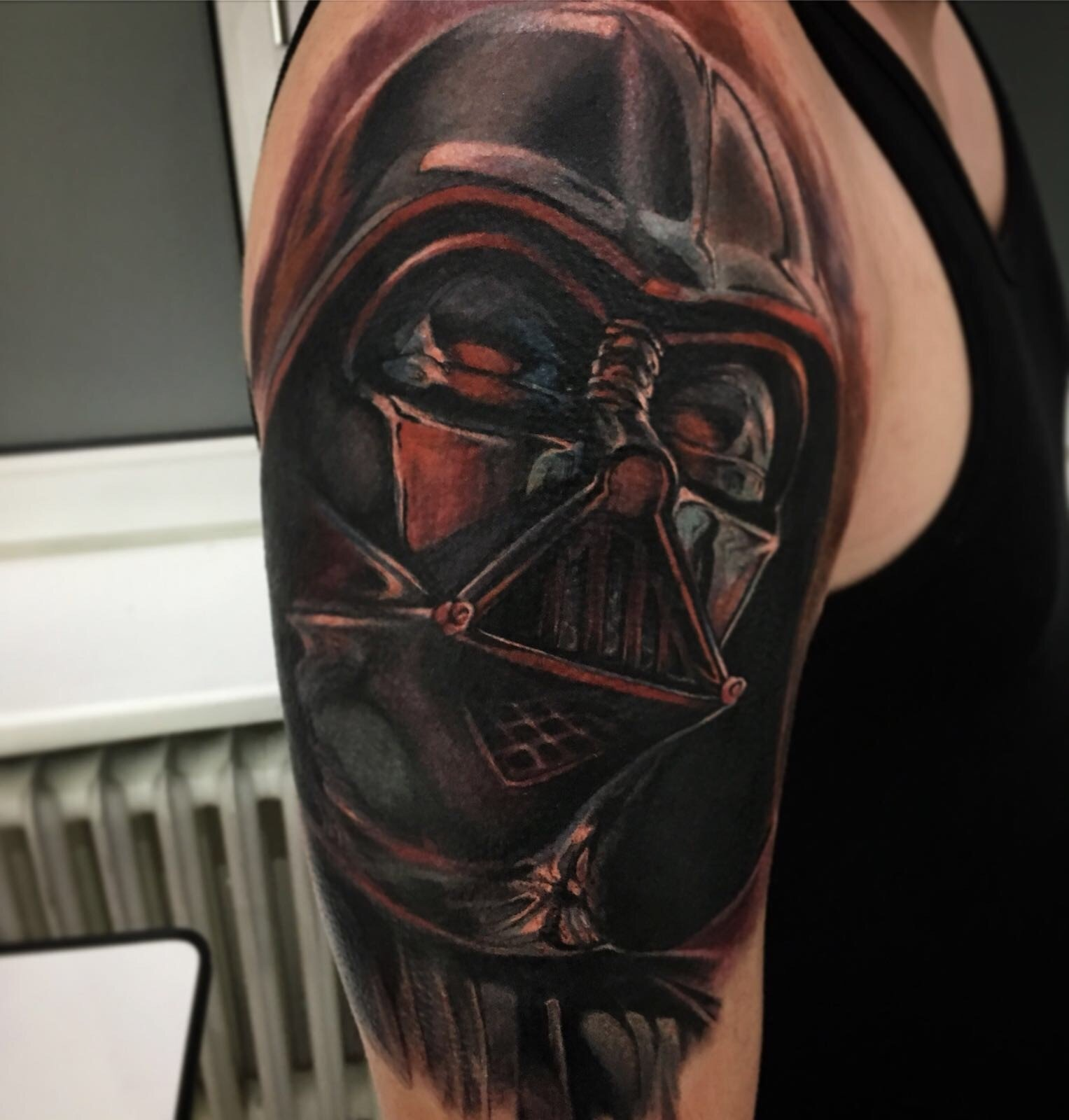 Ligera-ink-tattoo-milano-tatuaggi-milano-tatuatore-milano-tatuaggi-realistici-milano-tattoo-realistici-milano-Darth-fener-star-wars-tattoo-tatuaggio-star-war