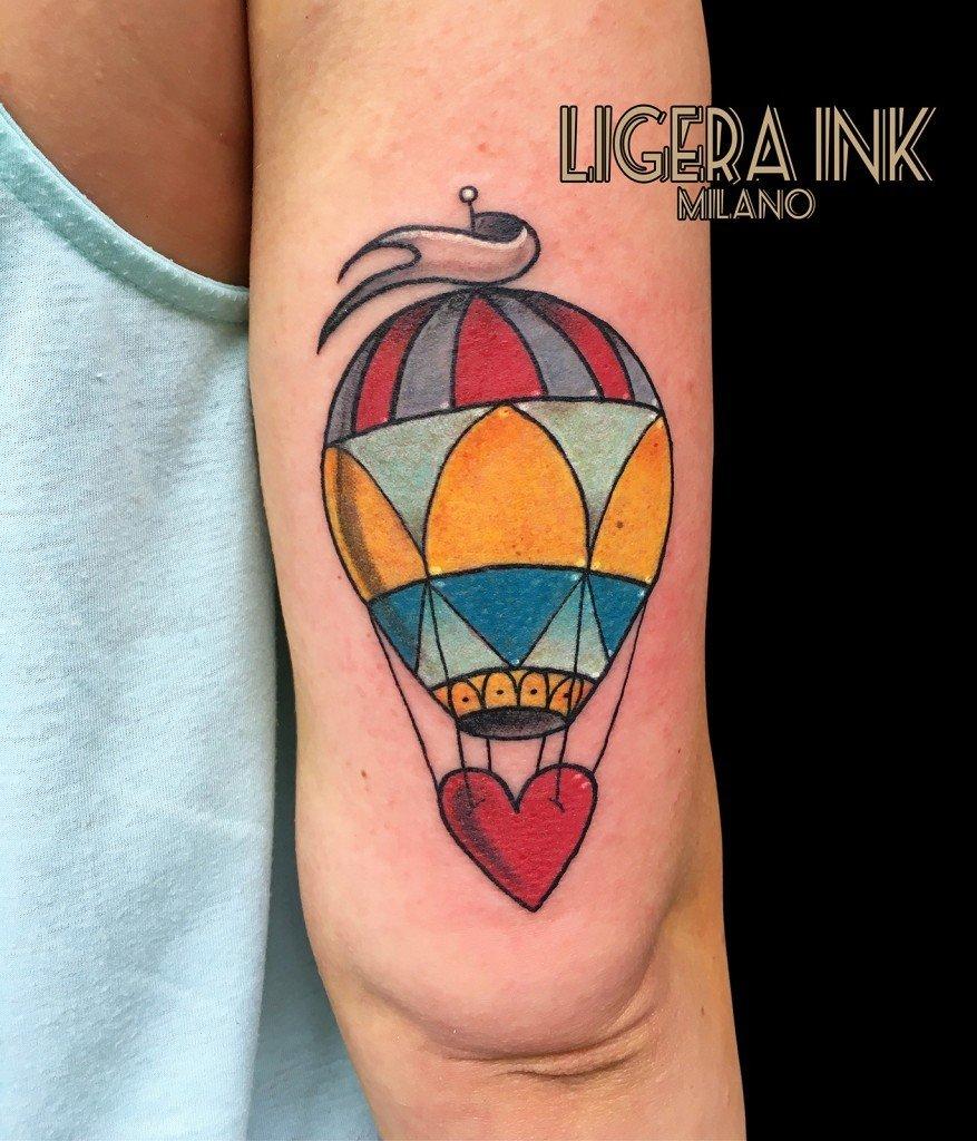 Tatuaggio mongolfiera significato e immagini ligera ink for Bussola tattoo significato