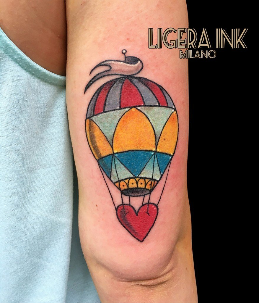 Ligera ink tatuaggio mongolfiera tattoo mongolfiera tatuaggio milano tattoo milano