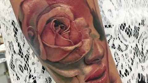 tattoo-milano-tatuaggi-milano-Tatuaggi-realistici-milano-tattoo-realistici-milano-tatuatori-realistici-milano-tatuatore-realistico-milano-tatuaggio-volto-tatuaggio-rosa-tattoo-rosa