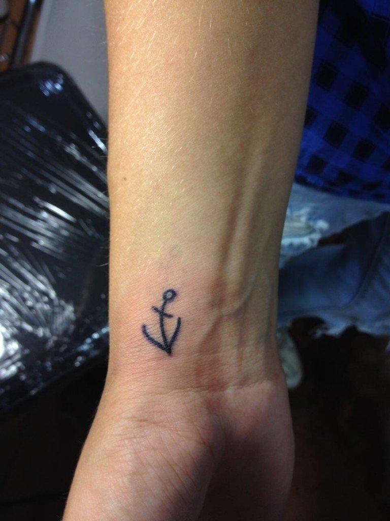 Tatuaggio Al Polso Ligera Ink Tattoo Studio