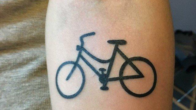 Ligera-Ink-tatuaggi-piccoli-tatuaggi-minimal-tattoo-minimal-tatuaggio-bicicletta