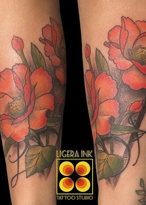 Ligera-Ink-tattoo-fiore-tatuaggi-fiore-tatuaggio-papavero-tatuatori-milano-tatuatore-milano