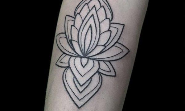 Ligera-ink-mandala-tattoo-tatuaggi-mandala-tatuaggi-geometrici-tattoo-milano-tatuaggi-milano-tatuatori-milano-tatuatore-milano-studio-tatuaggi-milano-tattoo-studio-milano-miglior-tatuatore-milano