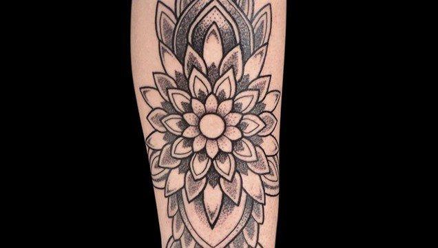 Ligera-ink-tattoo-milano-Mandala-tattoo-mandala-tatuaggi-mandala-miglior-tatuatore-milano-migliori-tatuatori-milano-tatuaggi-milano-migliori-studio-tatuaggi-di-milano-tatuaggi-belli