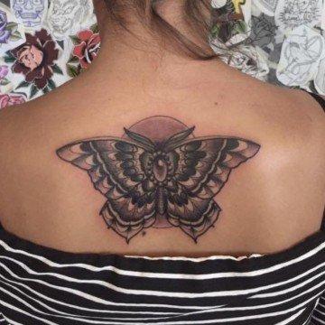 Ligera-Ink-Tatuaggio-farfalla-tattoo-farfalla-studio-tatuaggi-milano-studio-tattoo-milano