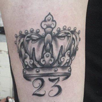 Ligera ink tatuaggio corona tattoo corona tatuaggi milano tattoo milano tatuatori milano studio tatuaggi milano tattoo tatuatori tatoo