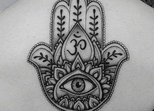 Mano-di-fatima-tattoo-tatuaggio-mano-di fatima-tatuaggi-milano-tattoo-milano-tatuatori-milano-tatuatore-milano-studio-tatuaggi-milano