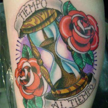 clessidra-tattoo-clessidra-tatuaggio-clessidra-ligera-ink-tatuaggi-colorati-tatuaggi-milano-tattoo-milano-tatuatori-milano-studio-di-tatuaggi-milano-migliori-tatuatori-milano