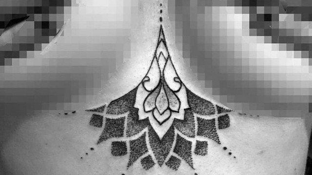 Assazina-Ligera-Ink-Tattoo-Milano-Tatuaggi-milano-blackwork-tatuatori-milano-bravi-studio-tatuaggi-milano-studio-tattoo-milano-blackwork-tattoo-tatuaggi-blackwork-tattoo-geometrico-milano-tattoo-dotwork-tatuaggi-sotto-al-seno