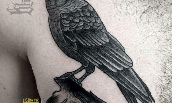 Ligera-ink-tattoo-milano-tatuaggi-milano-migliori-tatuatori-milano-tatuaggi-blackwork-milano-tatuaggio-corvo-tattoo-corvo