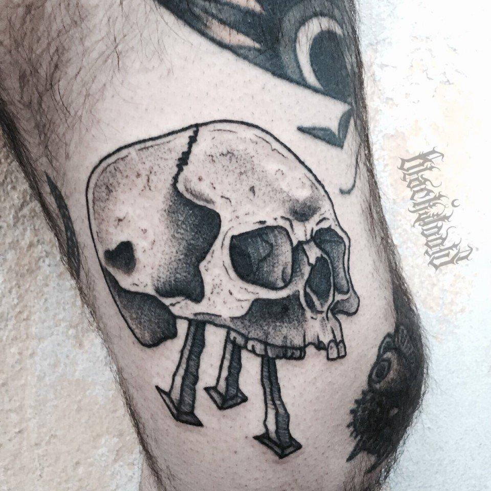 Ligera-ink-tattoo-milano-tatuaggi-milano-migliori-tatuatori-milano-tatuaggi-blackwork-milano-tattoo-teschio