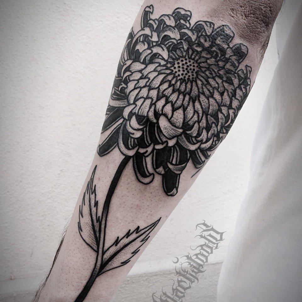 Ligera-ink-tattoo-milano-tatuaggi-milano-migliori-tatuatori-milano-tatuaggi-blackwork-milano-tatuaggio-peonia-tatuaggi-fiori-tatuaggio-fiore