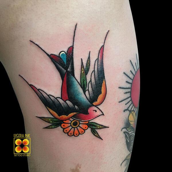 Ligera-ink-tattoo-milano-tatuaggi-milano-migliori-tatuatori-milano-miglior-tatuatore-milano-tatuaggio-tradizionale-milano-tattoo-tradizionale-milano-tatuaggio-rondine-tattoo-rondine