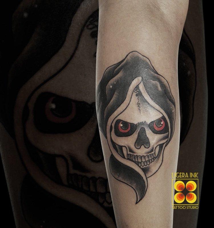 Ligera-ink-tattoo-milano-tatuaggi-milano-migliori-tatuatori-milano-tattoo-old-school-milano-tatuaggi-tradizionali-milano-tatuaggio-teschio-milano