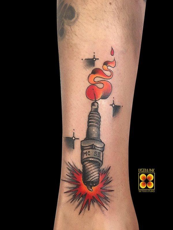 Ligera-ink-tattoo-milano-tatuaggi-milano-migliori-tatuatori-milano-tattoo-old-school-tatuaggi-tradizionali-tattoo-old-school-tatuaggio-candela-tatuaggi-biker