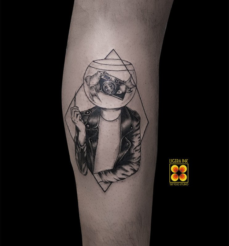 Ligera-ink-tattoo-milano-tatuaggi-milano-migliori-tatuatori-milano-tatuaggi-blackwork-milano-tattoo-blackwork-milano-tatuaggi-concettuali