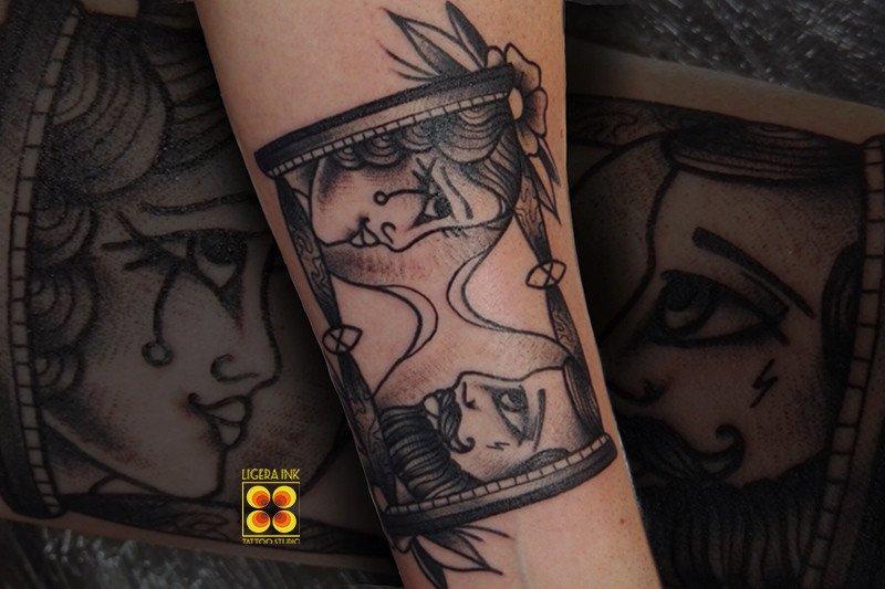 Ligera-ink-tattoo-milano-tatuaggi-milano-migliori-tatuatori-milano-tatuaggio-clessidra-tattoo-tradizionali-milano-tattoo-traditional-milano