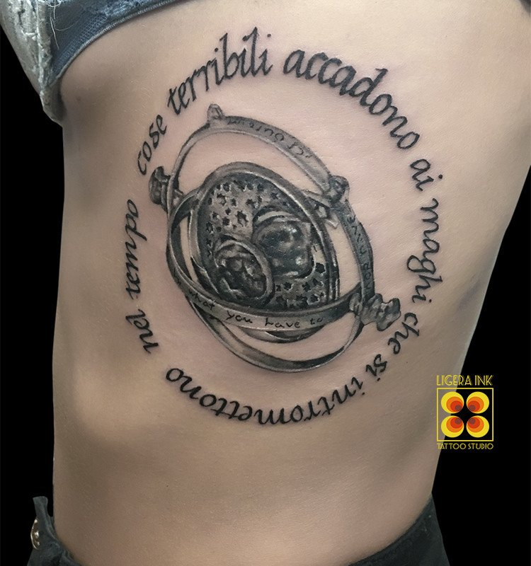 Ligera-ink-tattoo-milano-tatuaggi-milano-migliori-tatuatori-milano-tatuaggio-harry-potter-tattoo-harry-potter-tatuaggio-giratempo-tattoo-giratempo
