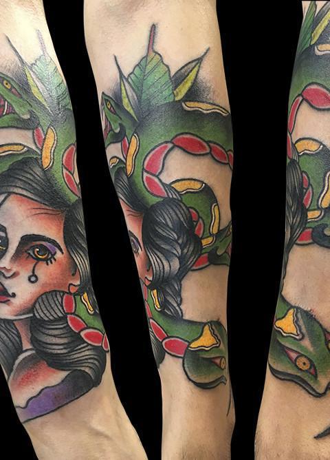 Ligera-ink-tattoo-milano-tatuaggi-milano-migliori-tatuatori-milano-tatuaggio-old-school-tattoo-old-school-tatuaggio-tradizionale-tatuaggio-medusa