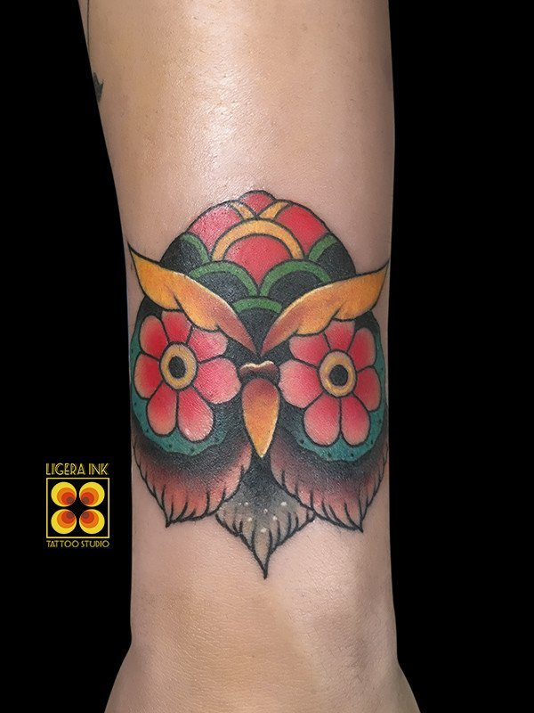 Ligera-ink-tattoo-milano-tatuaggi-milano-migliori-tatuatori-milano-tatuaggio-tradizionale-milano-old-school-tattoo-milano-tatuaggio-gufo-tattoo-gufo