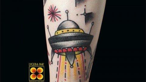 Ligera-ink-tattoo-milano-tatuaggi-milano-migliori-tatuatori-milano-tatuaggio-tradizionale-milano-tattoo-old-school-milano-tatuaggio-ufo-studio-tatuaggi-milano