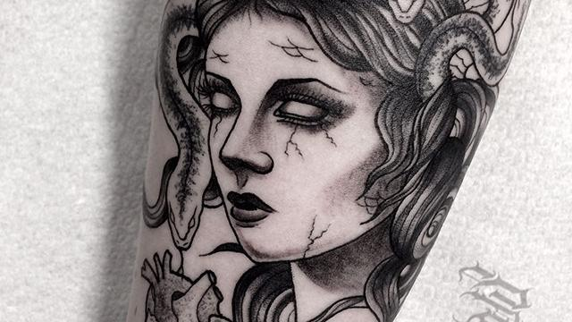 Ligera-ink-tattoo-milano-tatuaggi-milano-migliori-tatuatori-milano-tatuaggi-blackwork-milano-tatuaggio-medusa