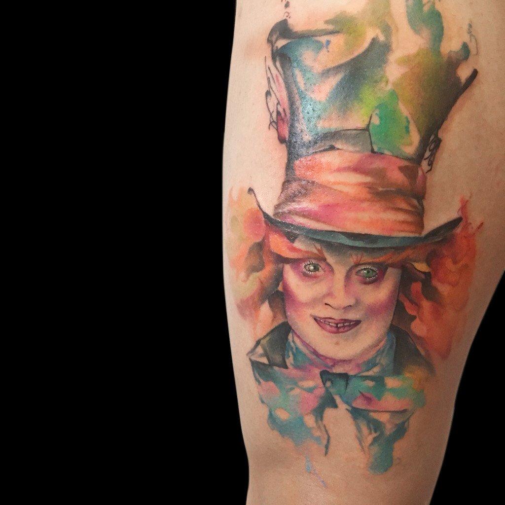 Ligera-ink-tattoo-milano-tatuaggi-milano-migliori-tatuatori-milano-tatuaggi-watercolor-milano-tatuatore-watercolor-milano-tatuaggi-acquerello-tatuaggio-cappellaio-matto