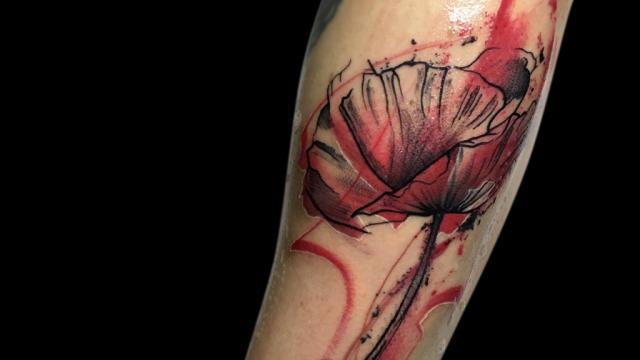 Ligera-ink-tattoo-milano-tatuaggi-milano-migliori-tatuatori-milano-tatuaggi-watercolor-milano-tatuatore-watercolor-milano-tatuaggi-acquerello-tatuaggio-papavero