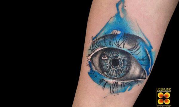 Ligera-ink-tattoo-milano-tatuaggi-milano-migliori-tatuatori-milano-tatuaggio-watercolor-milano-tattoo-watercolor-milano-tatuaggio-occhio-realistico