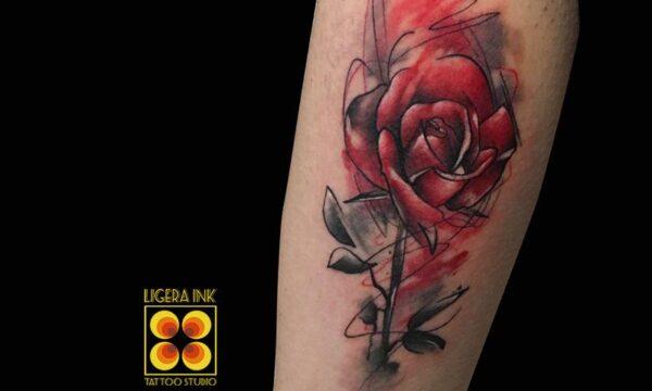 Ligera-ink-tattoo-milano-tatuaggi-milano-migliori-tatuatori-milano-tatuaggio-watercolor-milano-tatuaggio-avantgarde-milano-tatuaggio-rosa-watercolor