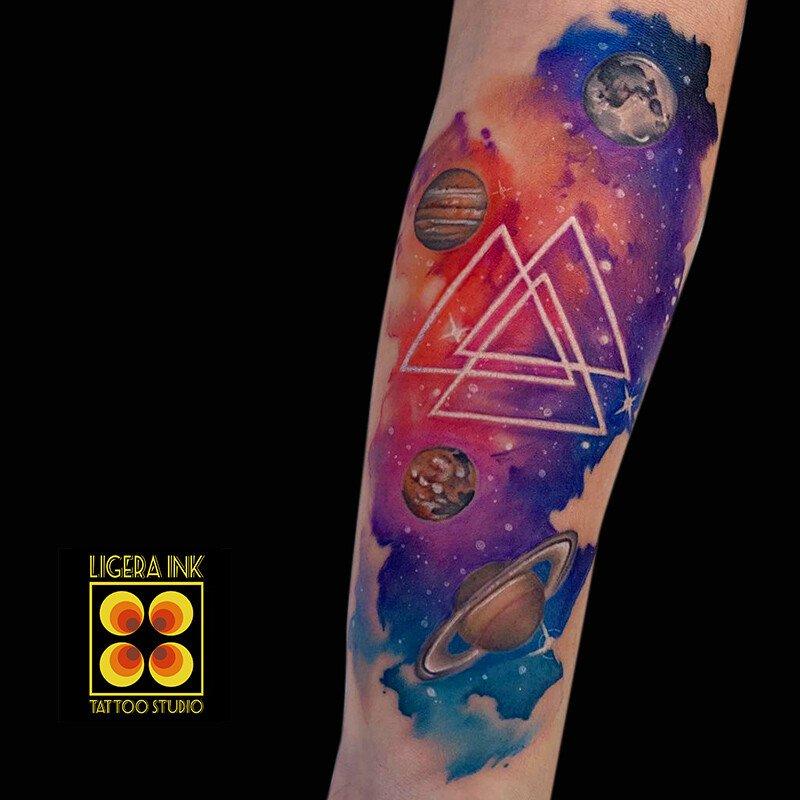 Ligera-Ink-Tattoo-Milano-Tatuaggi-milano-tatuatori-milano-tatuaggio-watercolor-milano-tattoo-watercolor-tatuaggio-galassia-watercolor