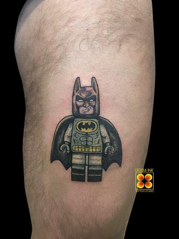 Ligera-ink-tattoo-milano-tatuaggi-milano-migliori-tatuatori-milano-tatuaggi-cartoon-milano-tattoo-cartoni-animati-milano-tatuaggio-lego-batman