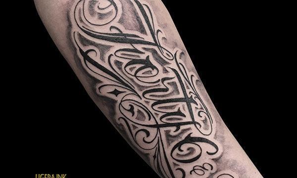 Ligera-Ink-Tattoo-Milano-Tatuaggi-milano-tatuatori-milano-tatuaggio-Tatuaggio-scritta-tattoo-lettering
