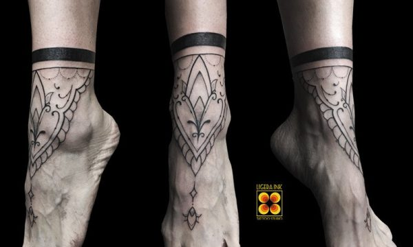 Ligera-ink-tattoo-milano-tatuaggi-milano-migliori-tatuatori-milano-tatuaggi-mandala-milano-tattoo-mandala-piede-tattoo-mandala-milano