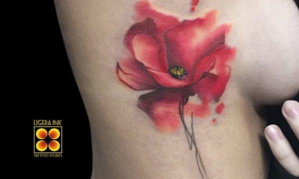 Ligera-ink-tattoo-milano-tatuaggi-milano-migliori-tatuatori-milano-tatuaggio-watercolor-milano-tatuaggio-papavero-watercolor
