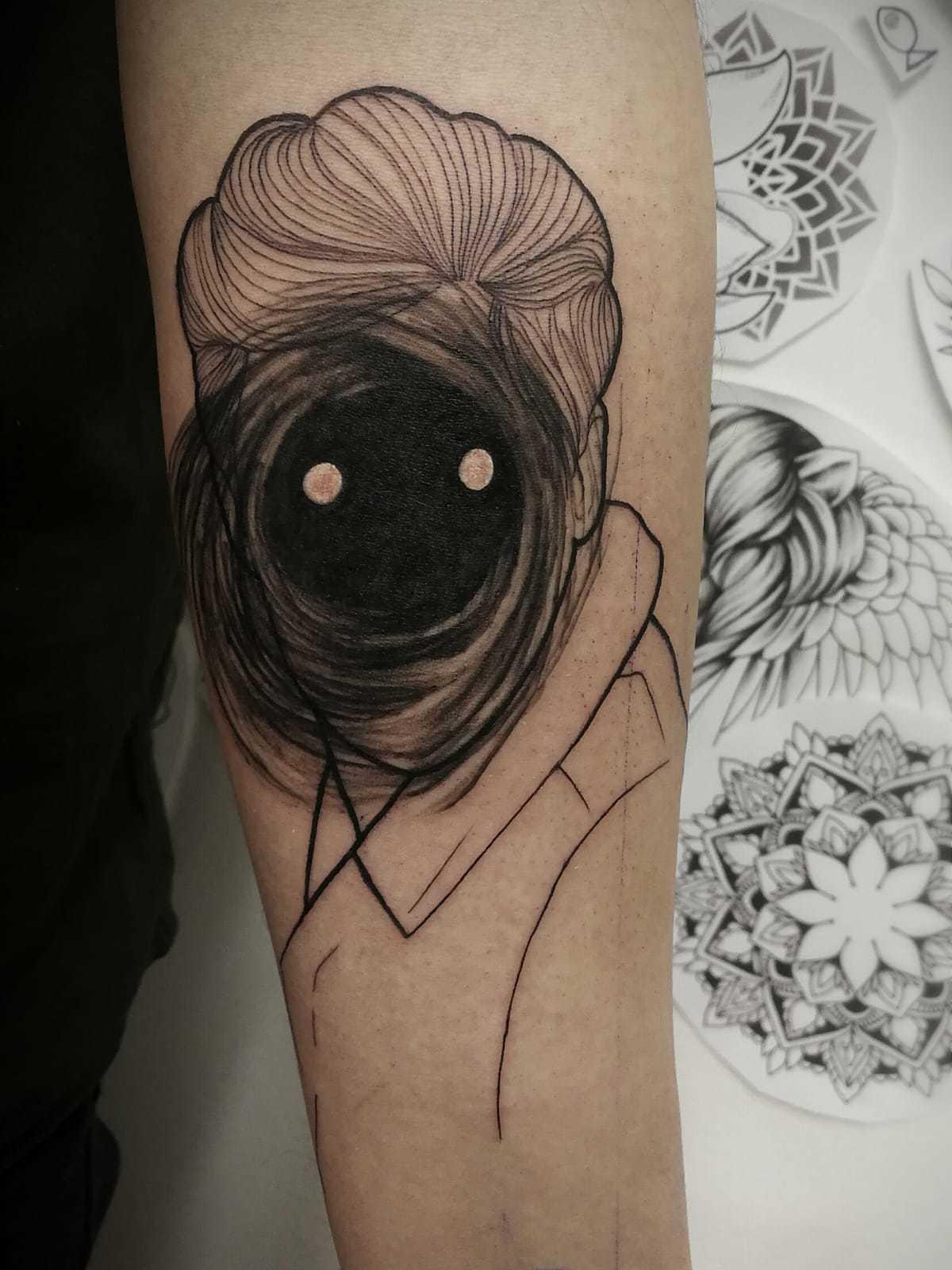 Ligera-ink-tattoo-milano-tatuaggi-milano-migliori-tatuatori-milano-tatuaggi-blackwork-milano-tattoo-blackwork-milano-tattoo-avangarde-6