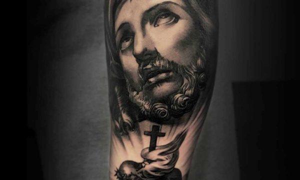 Ligera-ink-tattoo-milano-tatuaggi-milano-migliori-tatuatori-milano-tatuaggi-realistici-milano-tattoo-tatuaggi-realistici-milano-tattoo-realistico-milano-tatuaggio-realistico-cristo