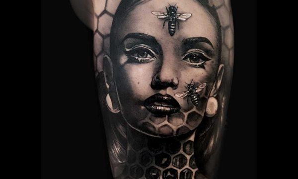 Ligera-ink-tattoo-milano-tatuaggi-milano-migliori-tatuatori-milano-tatuaggi-realistici-milano-tattoo-tatuaggi-realistici-milano-tattoo-realistico-milano-tatuaggio-realistico-ritratto-di-donna-con-api