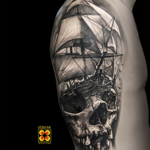 Ligera-ink-tattoo-milano-tatuaggi-milano-migliori-tatuatori-milano-tatuaggi-realistici-milano-tattoo-tatuaggi-realistici-milano-tattoo-realistico-milano-tatuaggio-realistico-veliero-teschio