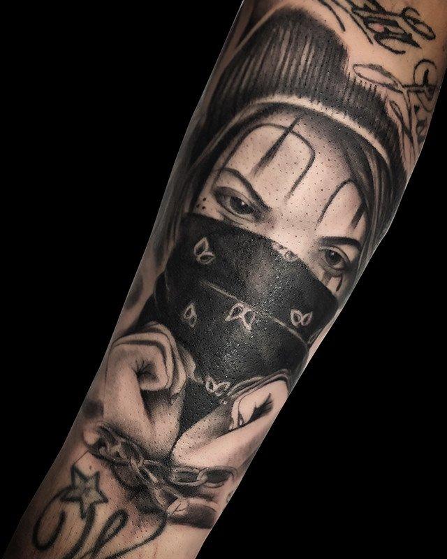 Ligera-ink-tattoo-milano-tatuaggi-milano-migliori-tatuatori-milano-tattoo-chicano-milano-tatuaggi-chicani-milano-tatuaggio-scritte-tatuaggio-ritratto-chicano-tatuaggio-realistico-cinisello-balsamo