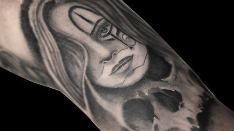 Ligera-ink-tattoo-milano-tatuaggi-milano-migliori-tatuatori-milano-tattoo-chicano-milano-tatuaggi-chicani-milano-tatuaggio-scritte-tatuaggio-ritratto-chicano04